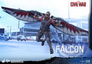marvel-captain-america-civil-war-falcon-sixth-scale-hot-toys-902689-04