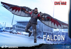 marvel-captain-america-civil-war-falcon-sixth-scale-hot-toys-902689-05