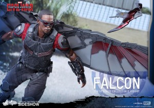 marvel-captain-america-civil-war-falcon-sixth-scale-hot-toys-902689-09
