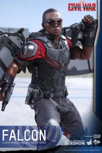 marvel-captain-america-civil-war-falcon-sixth-scale-hot-toys-902689-10