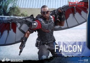 marvel-captain-america-civil-war-falcon-sixth-scale-hot-toys-902689-14